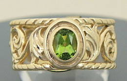 R181 Peridot and Gold Scroll and Leaf design