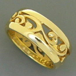 R251 gold carved koru band