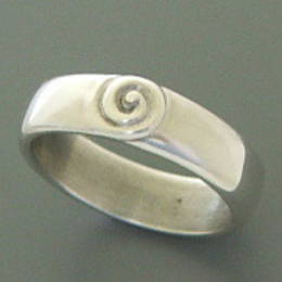 Ladies Silver koru band