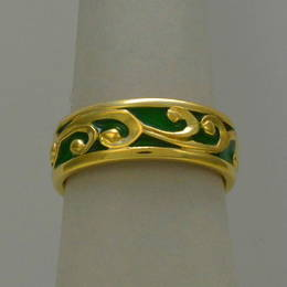 R251a Gold Koru wedding band with enamel fill